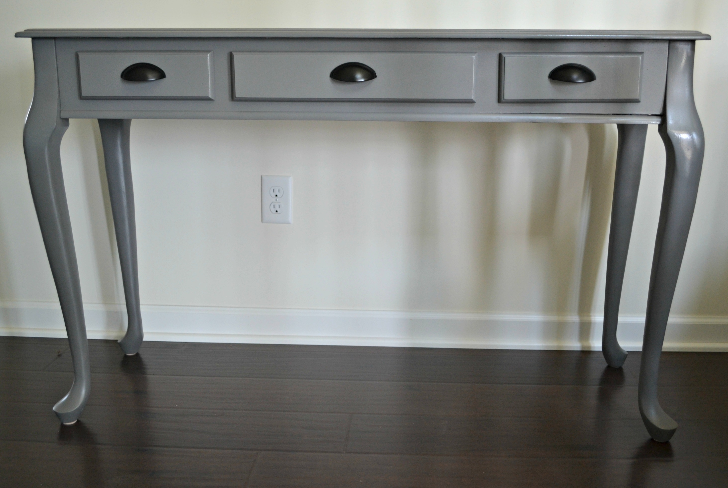 DIY Spray Painted Console Table: How To Update Furniture With Spray Paint |  This Grateful Mama